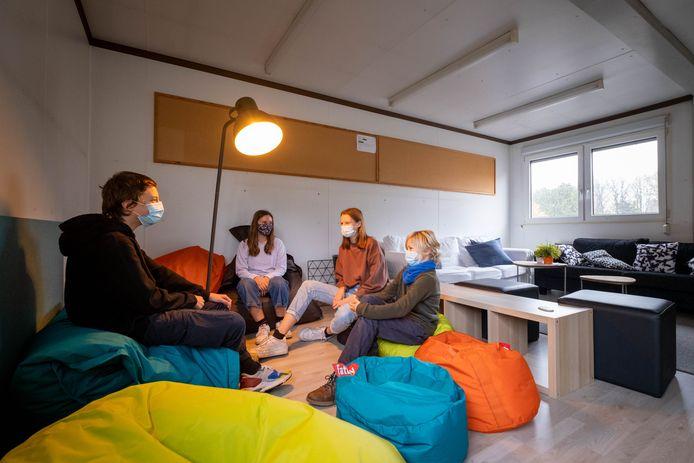 In middelbare school Sint-Ursula in Lier is men een stille ruimte aan het inrichten voor scholieren die al eens willen ontsnappen aan de drukte.