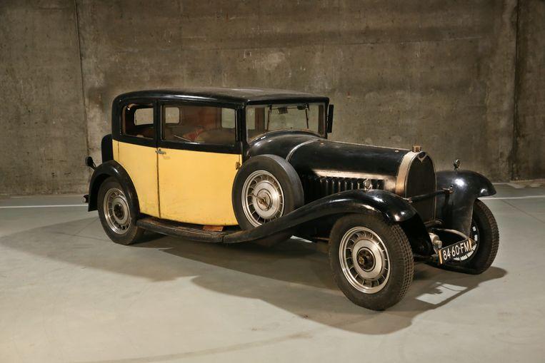 Bugatti 49 faux coupé Ganglof Limousine (Geel), bouwjaar: 1932, mechanisch nog volledig origineel met een  waarde van 200.000 euro