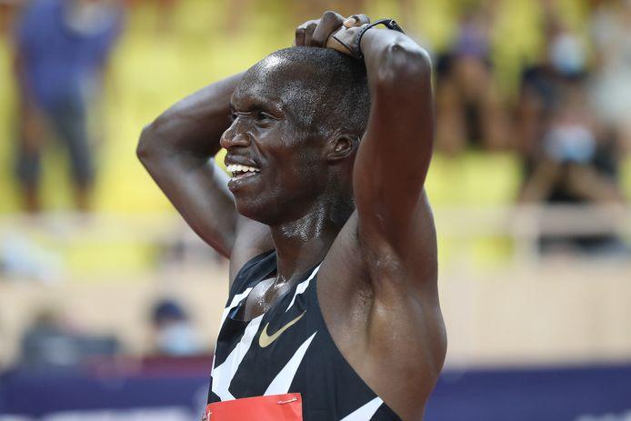 Joshua Cheptegei won de 5000 meter en brak een wereldrecord.