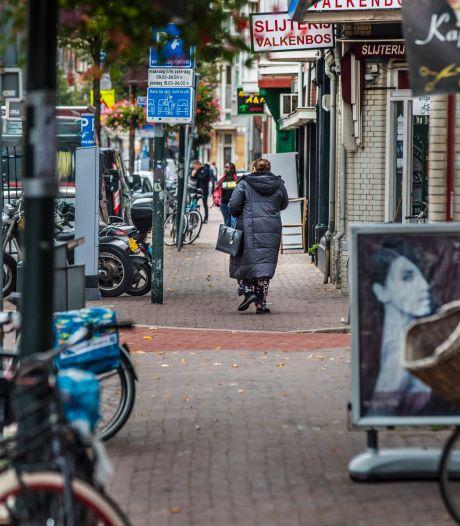 Boeteregen in Valkenboskwartier: negen mensen aangehouden en 300 boetes uitgedeeld