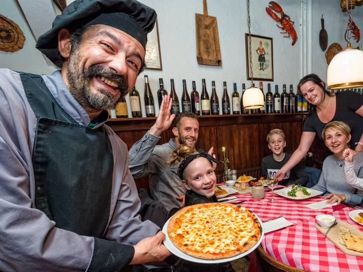 In de rij voor Sardijnse kookkunst bij Is Morus