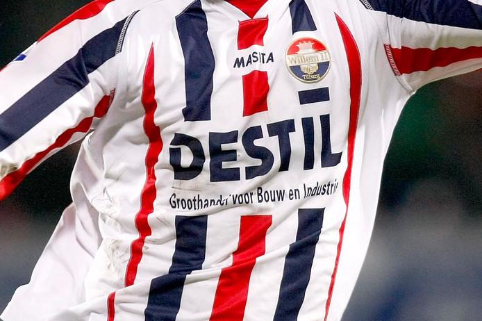 Destil prijkte tussen 2008 en 2010 ook al op de shirts van Willem II.