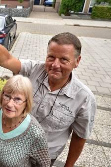 Buurt koopt AED voor op de eigen straathoek