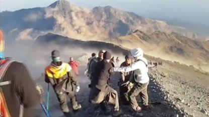 Zeker 543 wandelaars gered van Indonesische vulkaan