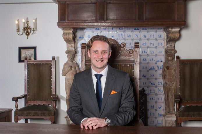 Burgemeester Pieter Verhoeve van Oudewater verwijt het raadslid 'belediging en laster'.