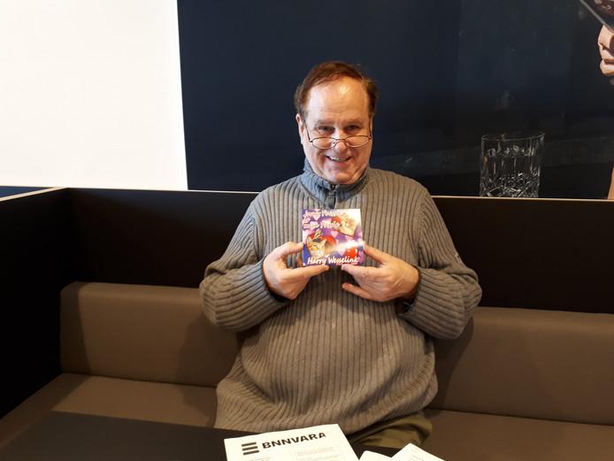 Harry Wesselink met zijn nieuwste carnavalssingle.
