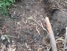 Ergernis bij eigenaar mini-camping Berg en Dal over achtergelaten brokken asfaltafval