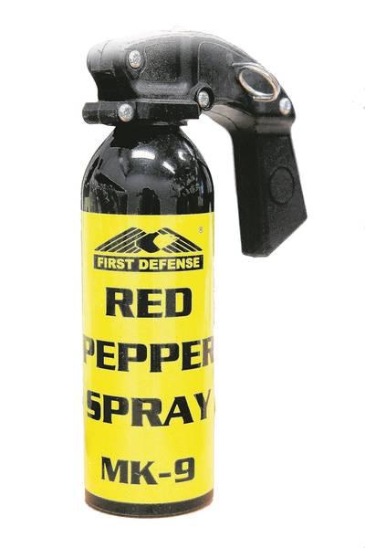 Taser, pepperspray en hennep gevonden bij automobilist in Terheijden