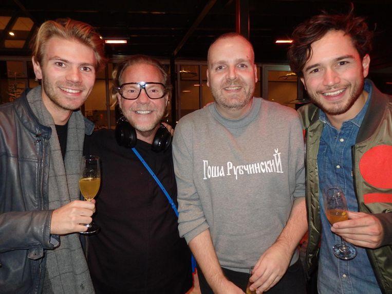 Scott Ammerlaan (pr), Bastiaan van Schaik, Dieter de Cock (Calvin Kleinontwerper) en Thomas Cox, RTL-presentator. Van Schaik: 'Neehee, de nieuwe Justin Beeber!' Beeld Schuim