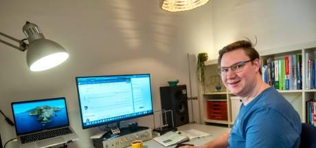 Docenten en studenten niet meer samen in de klas, maar thuis achter de computer