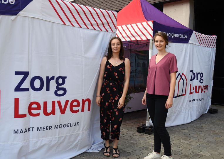 Elien Vandermeulen en Laura Vandenberk van WZC Remy.