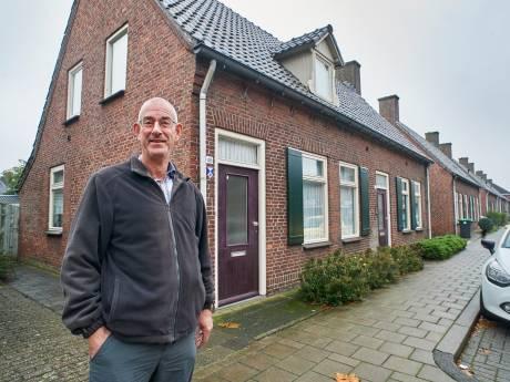 Jan Verhoeven in huisje uit 1942: 'Koud? Dan kruip ik er verder onder'