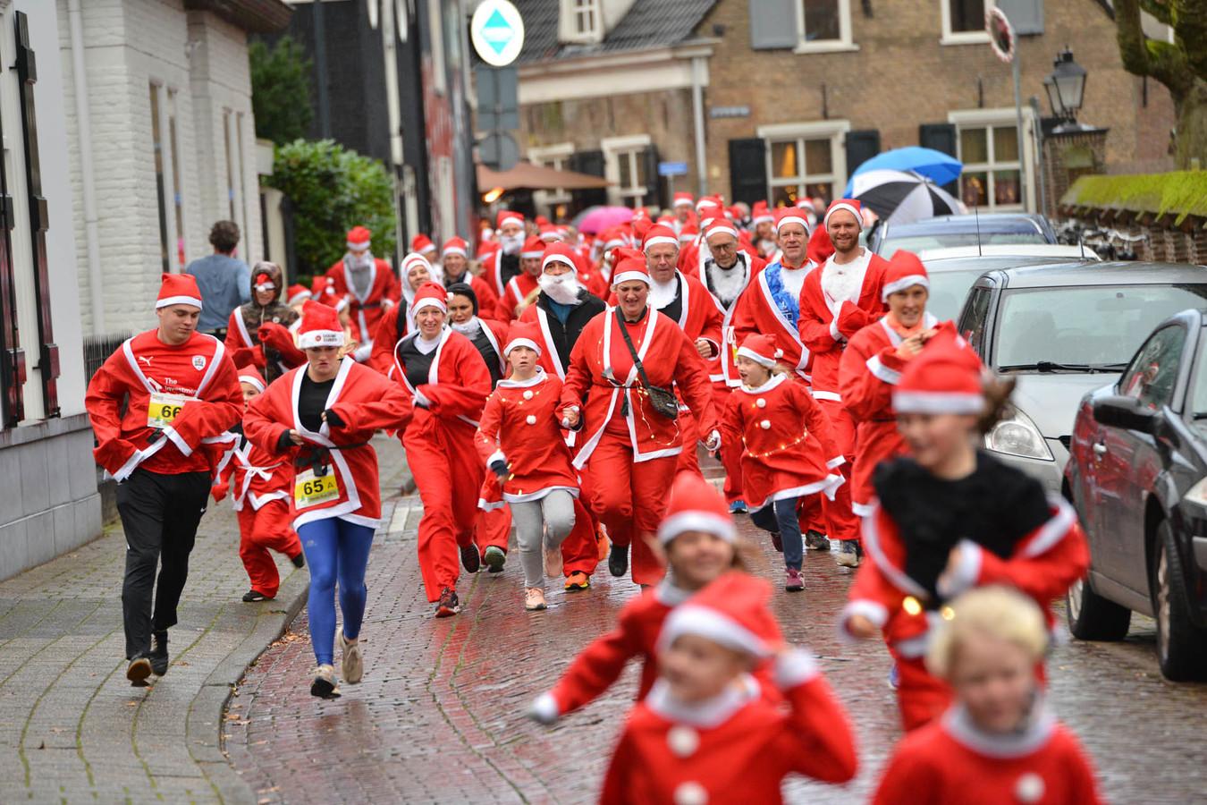 De Stichting Zomerkampen gebruikt het geld om voor het 50e jaar kinderen uit arme gezinnen een vakantie te kunnen bieden.