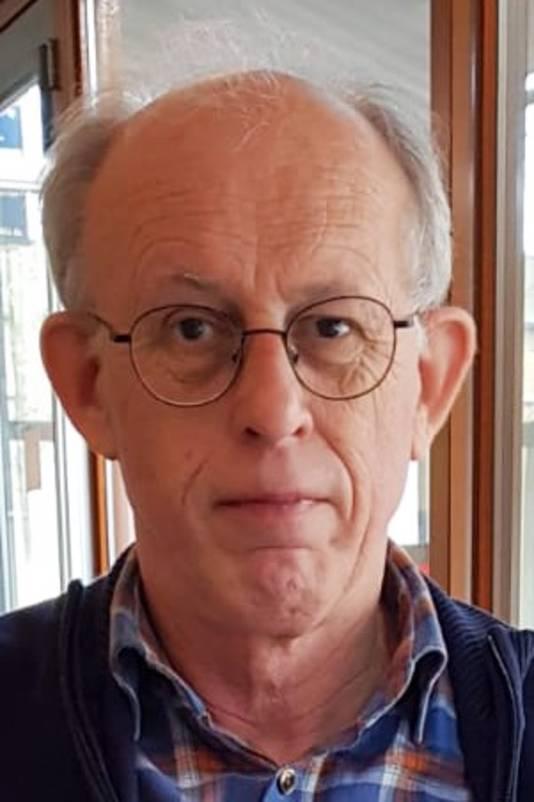 De heer A.A.W.M. (Alex) Beekmans (65), wonende te Tilburg.
