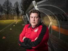Knapen trainer UD Weerselo, Bakker door bij Borne