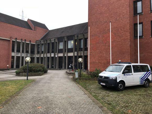 De vrouw stond terecht in de rechtbank van Brugge.