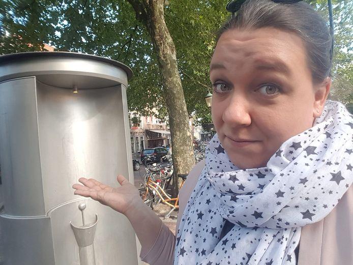 Sabine Schipper via twitter @SabineKSchipper 26 min.26 minuten geleden Hoge nood en alleen een urinoir... #hoedan #actiezeikwijf