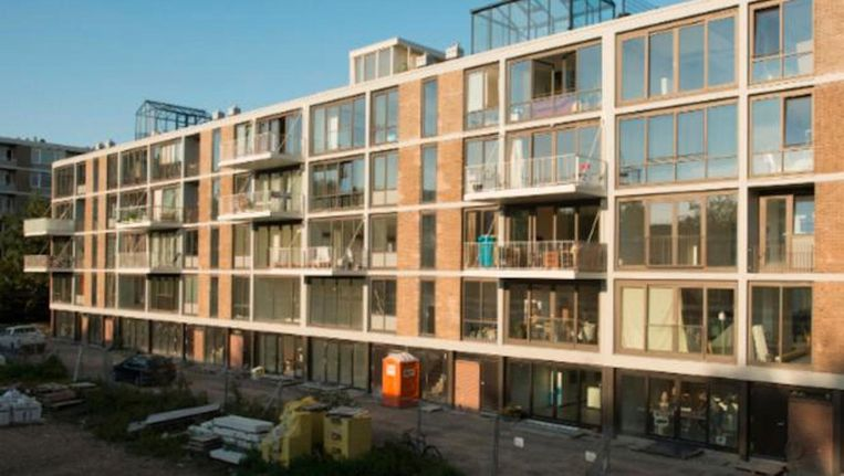 Klussen op de Klarenstraat is een zelfbouwproject op de U. J. Klarenstraat Beeld Vanschagen Architecten