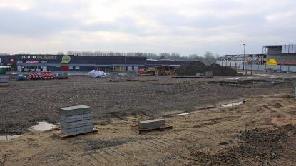 Bioscoopcomplex en Burger King op Ikea-site