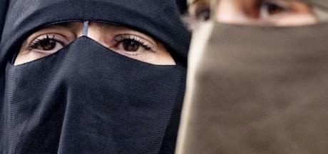 Na jaar slechts vier waarschuwingen en geen boetes voor dragen boerka: 'Heel bijzonder'