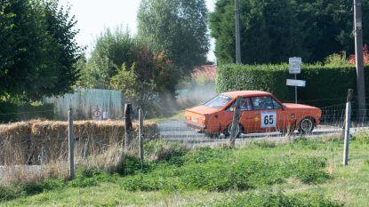 218 snelheidsboetes op dag van rallywedstrijd, zelfs piloten op de bon