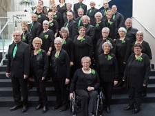 Spil Nellie Kerkhof van gospelkoor Adaja krijgt Udense vrijwilligerspenning