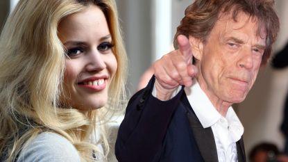"""Dochter Mick Jagger over haar wel héél beschermende vader: """"Onlangs deelde hij nog klappen uit!"""""""