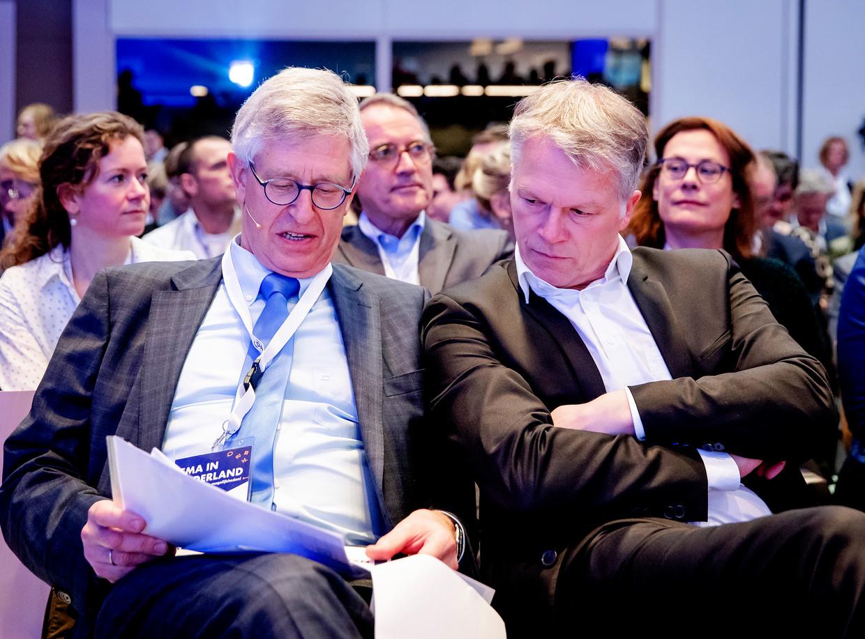 Hugo Hurts (Executive Director CBG-MEB) en Wouter Bos (Directeur en beoogd CEO, Invest-NL) tijdens een symposium over de komst van het Europees Geneesmiddelen Agentschap (EMA) naar Amsterdam.  Beeld ANP