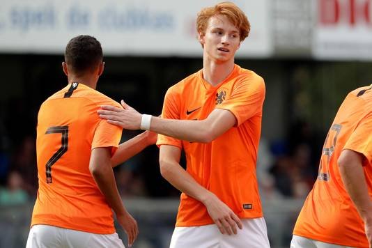 Sepp van den Berg als speler van Oranje Onder 19.
