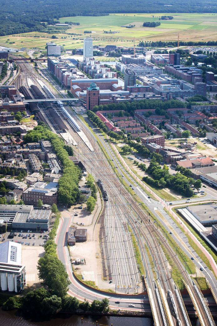 De gehele Spoorzone met in het midden centraal Station Den Bosch.