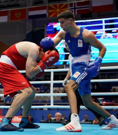 Enrico Lacruz mag in Londen boksen om een ticket voor de Olympische Spelen