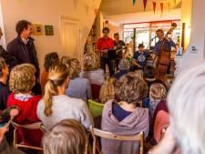 Huiskamerfestival Gluren bij de Buren weer terug in Utrecht, Nieuwegein en Zeist: dit is het programma