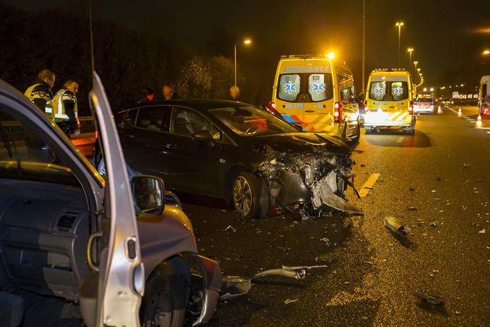 Bij het ongeval op de A27 vielen drie gewonden.