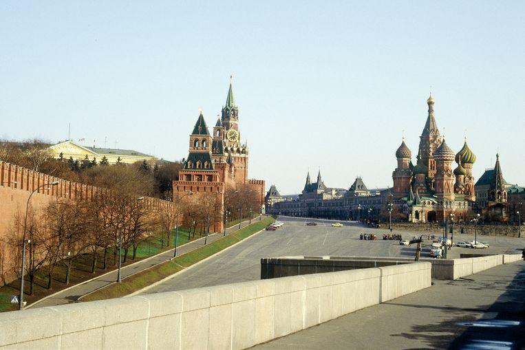 Het Kremlin (links) en de Kathedraal van de Voorbede van de Moeder Gods op de Greppel (rechts). Beeld Getty Images