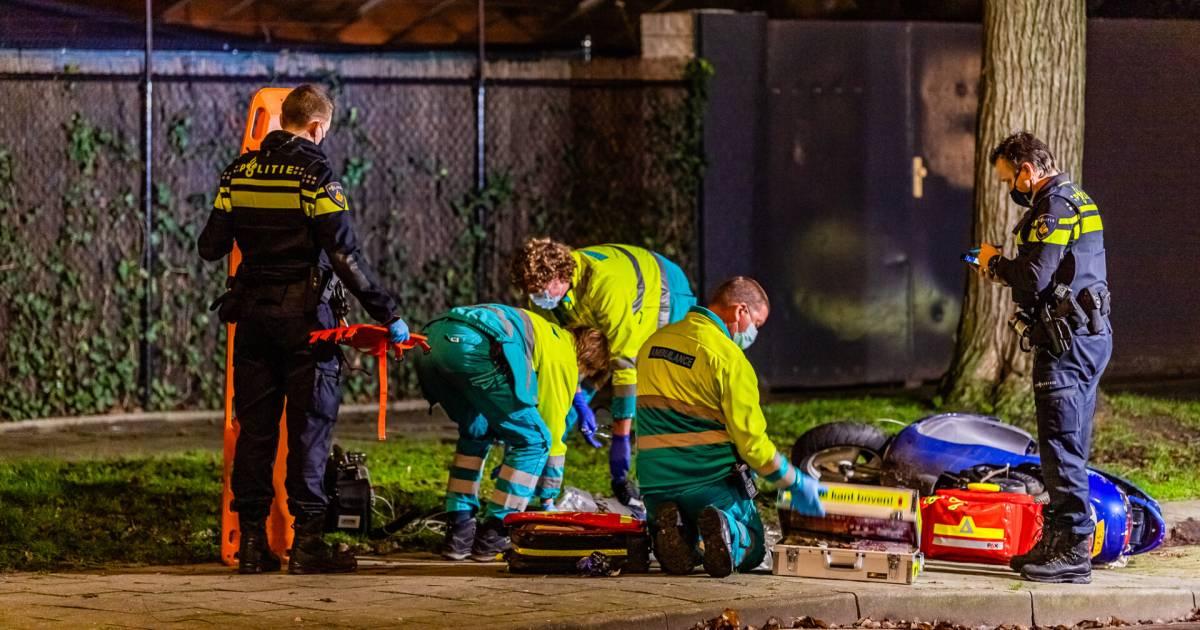 Scooterrijder gewond bij val of aanrijding in Tilburg.