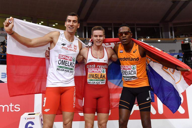 Liemarvin Bonevacia (rechts) won brons op de 400 meter. Beeld AFP