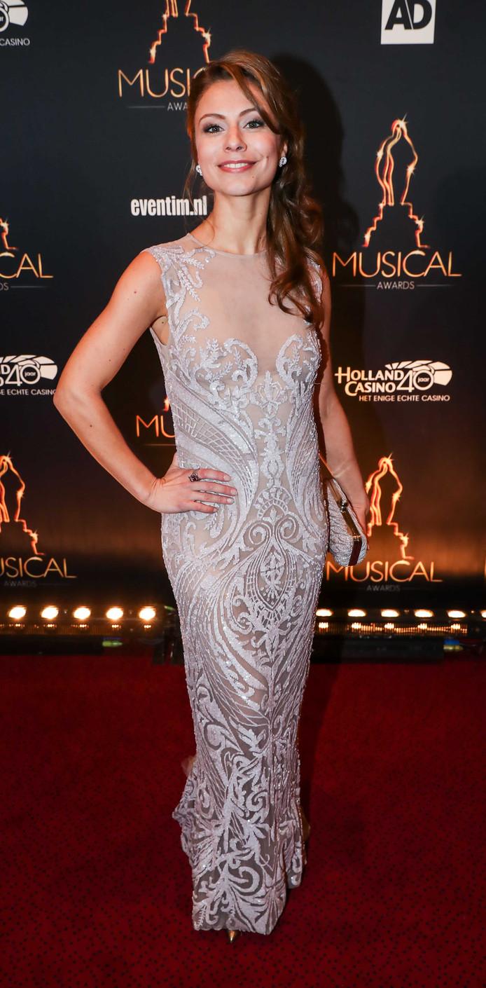 De mooiste rode loper creaties van het gala musical awards - Foto rode loper ...