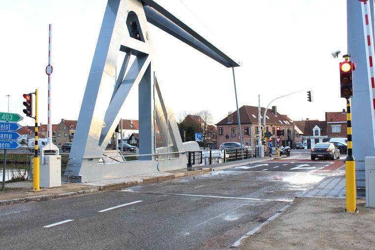 De Kruispoortbrug heeft te kampen met kinderziektes.