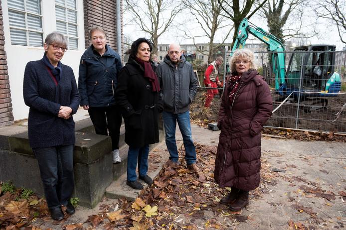 Bewoners van de Utrechtse wijk Wittevrouwen zijn er boos over dat de 'buurttuin' moet wijken voor een parkeerplaats bij het anatomiegebouw