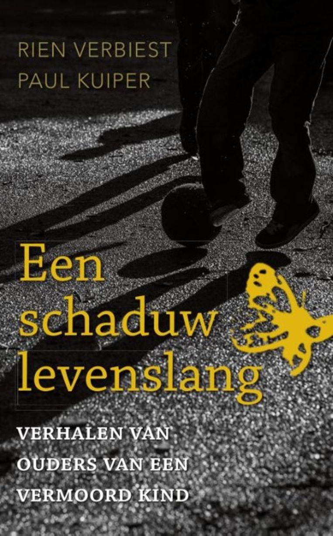 Een schaduw levenslang door Rien Verbiest en Paul Kuiper. Adveniat Geloofseducatie, € 18,95. Beeld TR beeld