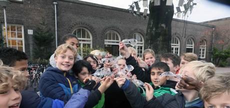 Nijmegen stopt gratis uitdelen vuurwerkbrillen