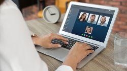 Een videomeeting met collega's: wat zegt de etiquette?