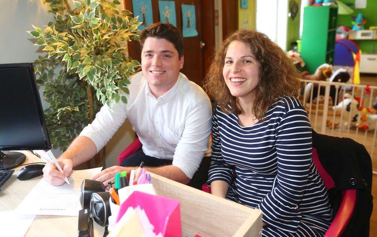 Cynthia Langhendries en Jens Costers kwamen vanmiddag al hun kindje inschrijven.