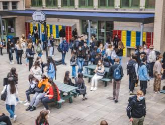 Stad Gent overweegt om 'tienerschool' te openen om de overgang tussen basisschool en secundair te verzachten