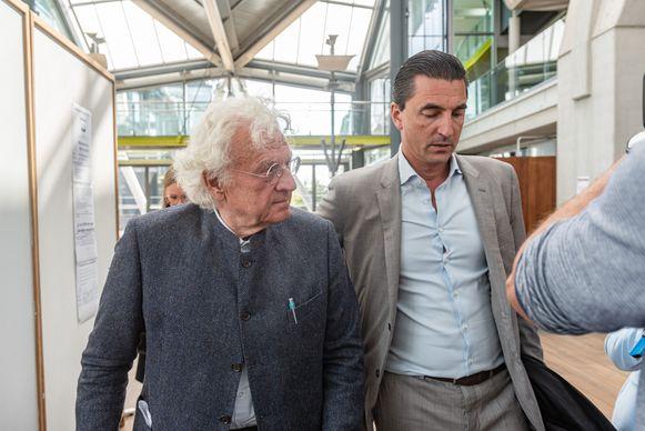 Uroloog Bo Coolsaet (80) bij de start van zijn proces in september. Hij wordt bijgestaan door advocaat Kris Luyckx.
