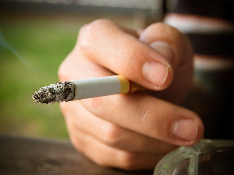 Ook iemand die maar eens per jaar rookt is een roker. Beeld Colourbox