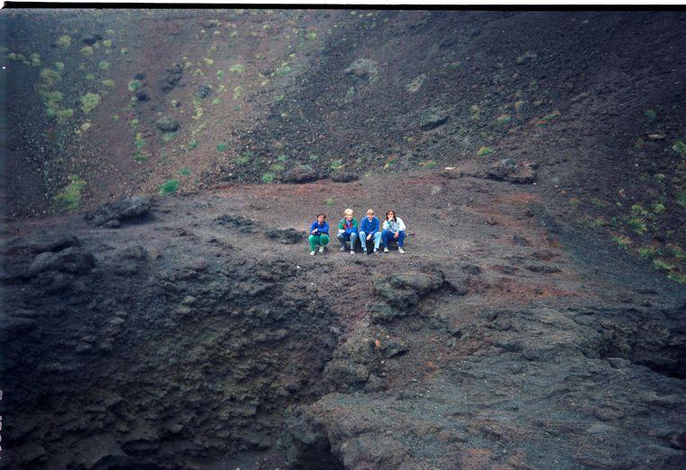 Angelo, Bart, Marjolein en Valerio op de Etna, 1990. Beeld null