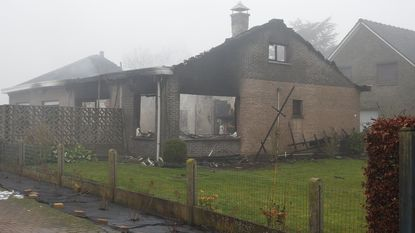 Vrouw (76) komt om bij brand in woning, man (79) op tijd buiten