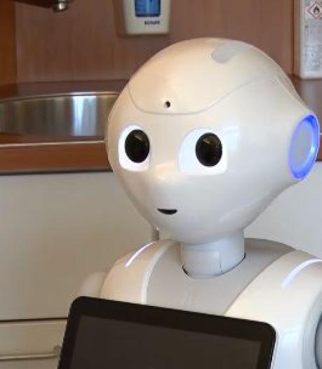 Robots die patiënten wassen, tillen, omdraaien? Over tien jaar zijn ze er