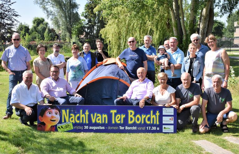 't West-Vlaamse Hart, de gemeente en heel wat verenigingen pakken op Ter Borcht uit met een avondje kamperen en heel wat activiteiten.
